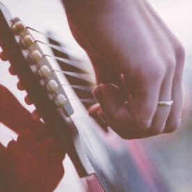 Técnica de la mano derecha guitarra