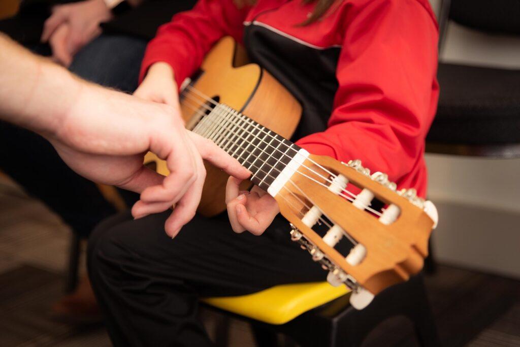 Curso gratis de guitarra online