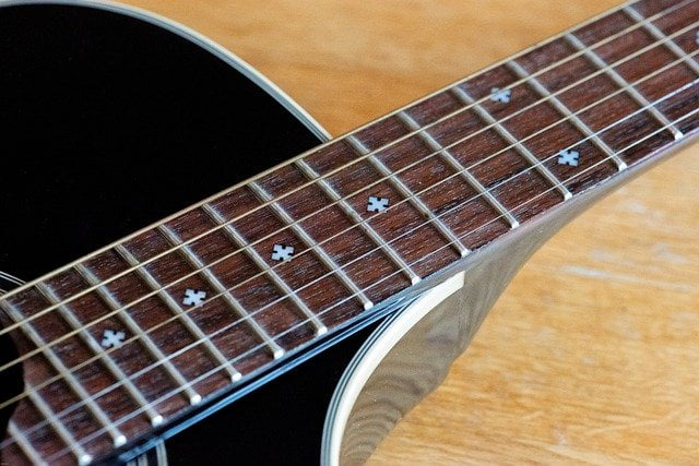Guitarra. Instrumento temperado